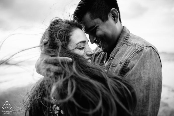 Engagement Photography - Krabi romantic black&white couple portrait