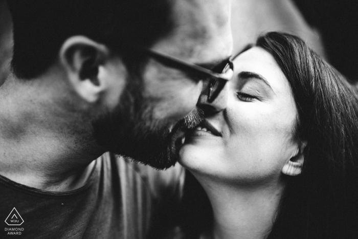Photos de fiançailles de Oberhofenpark Göppingen - Jeune couple amoureux