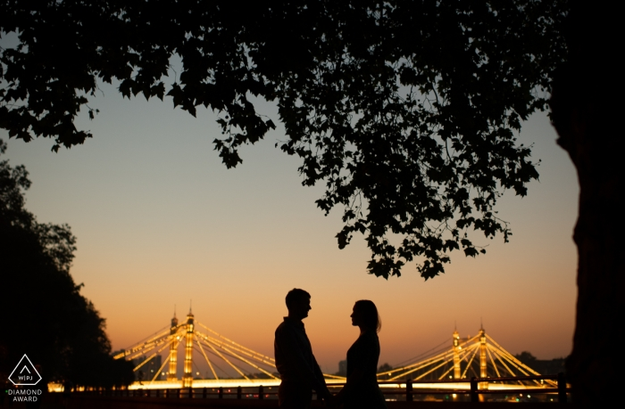 London Engagement Photography Portraits - A cold autumn evening, by the Albert Bridge