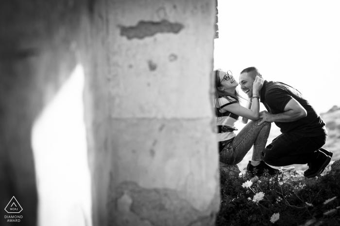 NICOTERA VV - Verlobungsfotos mit Beton und Spaß / Liebe