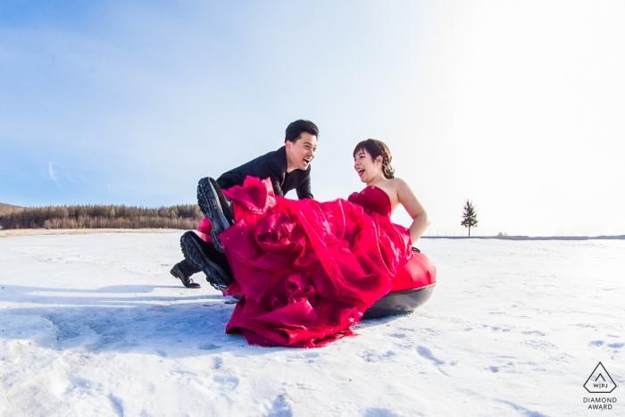 Fujian China Sesión de retratos de compromiso formal en la nieve