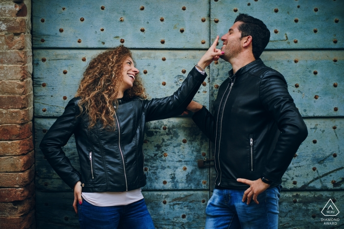 Trasimeno Lake Couple Portraits - Fun Engagement Shoot