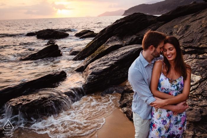 Praia de Toque Toque Pequeno Pre Wedding Sunset Shoot at the Beach with Rocks and Waves.