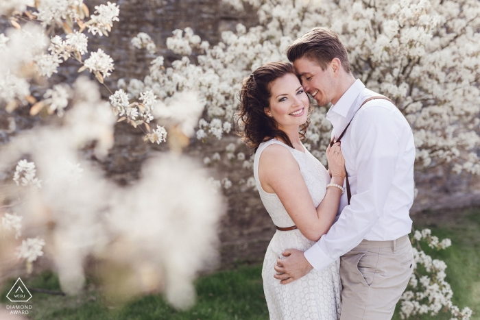 Rittergut Störmede engagement session with a couple in the springtime