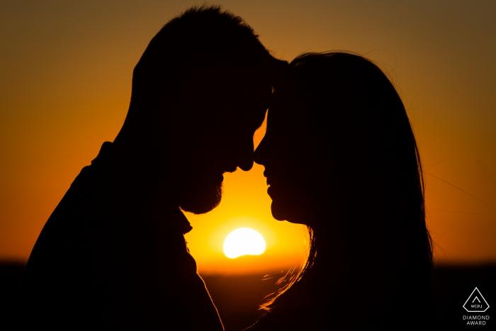 Toledo, Castilla-La Mancha (Spain) Pre-Wedding Photoshoot - Sunset couple shilouttes