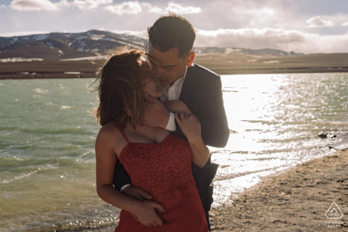 Atacama desert couple portrait session in the sun at the water