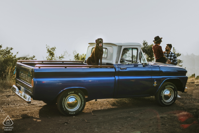 Mersin Couple, their dog and their beautiful pick up pose for engagement portraits