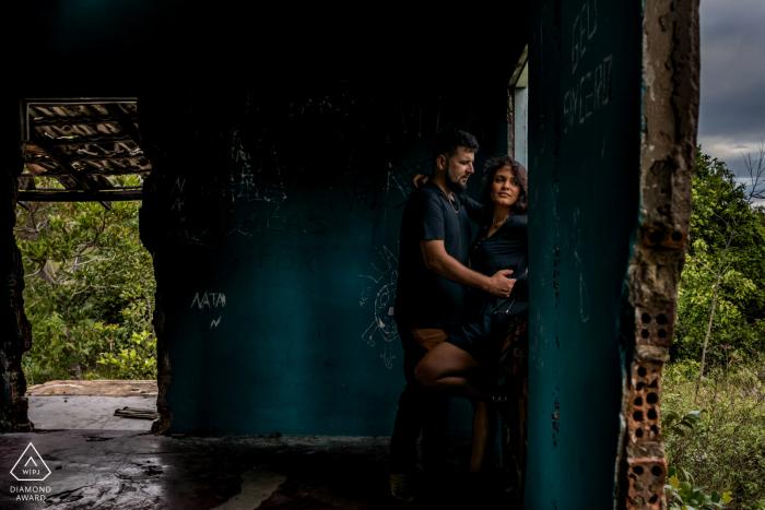 Praia de Itaúnas - ES - Brazil Pre Wedding Picture in the Ruins