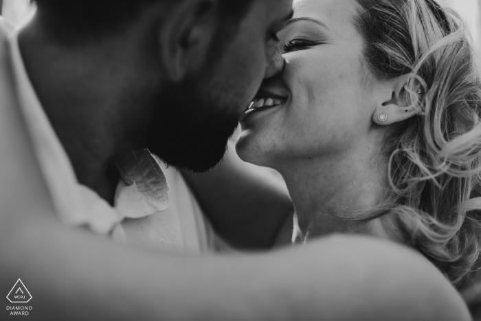 Engagement Photo Session at Schönbuch - a close kiss / bw