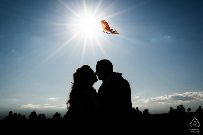 Engagement Photos | villa borghese - Roma - Italy - a kiss in silhouettes under the sky of Rome