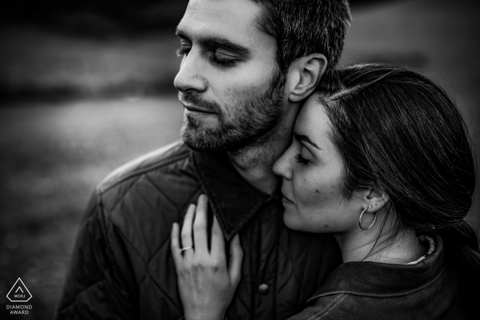 Engaged Couples Photography | Lyon love portraits in black and white