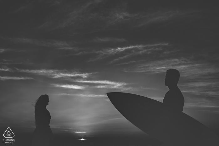 Linhares, Espírito Santo, Brazil pre-wedding session with a surfboard