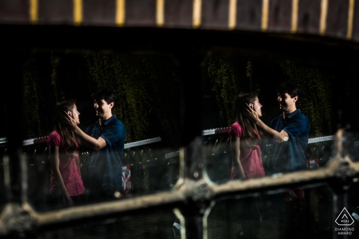Séance de couple engagé | Une double réflexion à Londres, Royaume-Uni