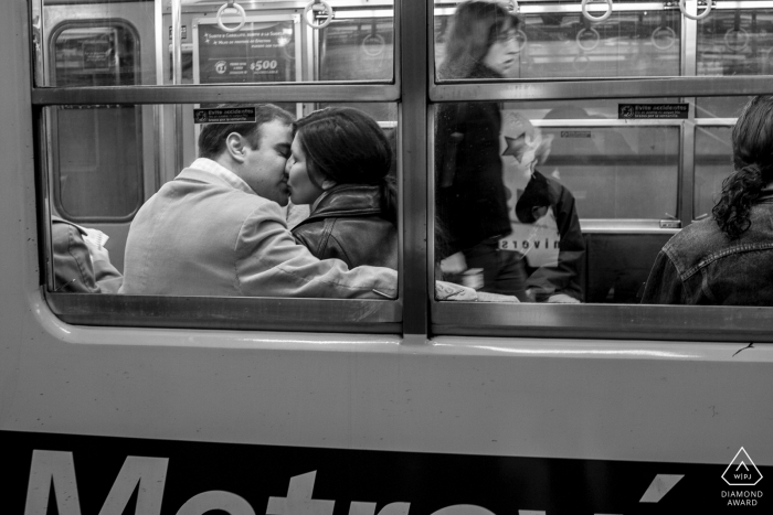 Subway engagement session with a couple in Estación Catedral, Buenos Aires