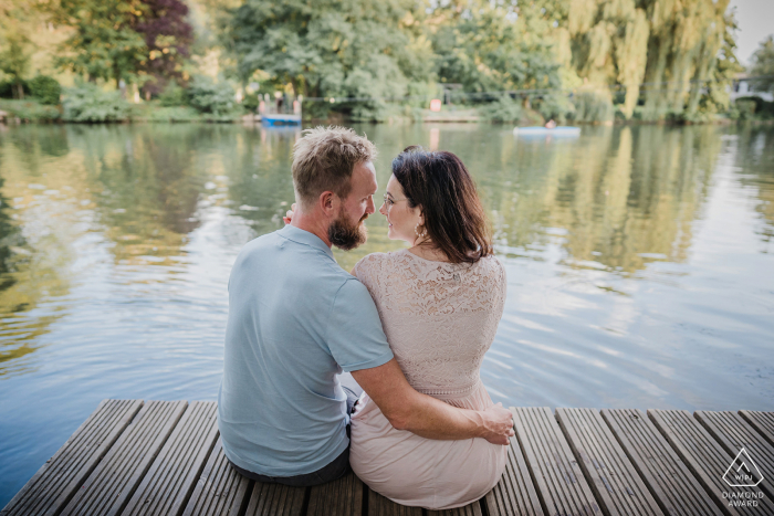 Lake and dock engagement portraits at Witten Ruhrgebiet