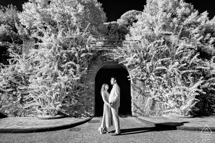 Retrato de bellas artes de Pisa antes de la boda con una pareja que vino de Japón para visitar Pisa y celebrar su compromiso