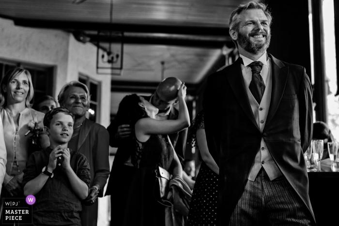 București Wedding Photojournalism | anticipation and joy at this wedding reception
