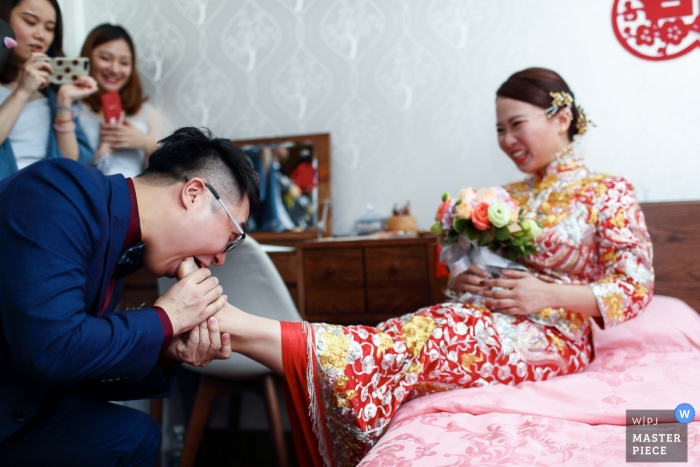 Guangdong couple during their pre-wedding ritual party