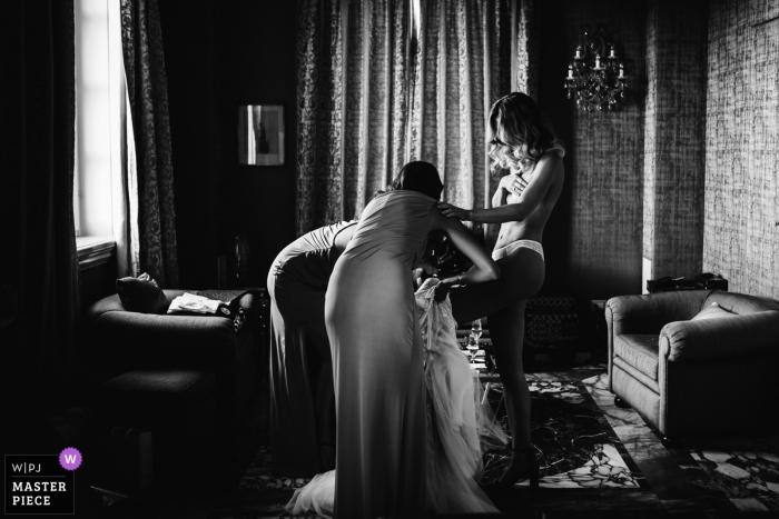 Hochzeitsfotograf Rom | Braut immer bereit und in ihr Kleid