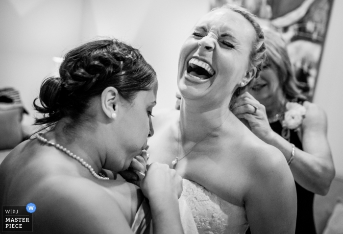 Atlanta documentary wedding photo of the girls having fun