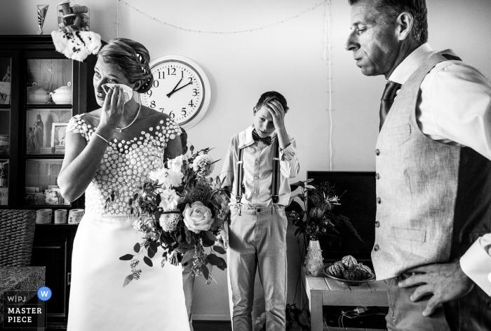 Wenn die Gefühle vor der Trauung wirklich groß werden Huizen - Niederlande Fotografen