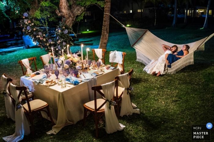 St. Regis Resort, Punta Mita, México para una recepción de bodas al aire libre y relajada