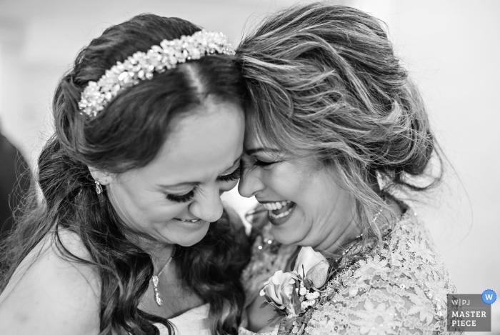 Matka córka w Wedding Sanderling Resort | Sanderling Resort Wedding Photography- Duck, NC