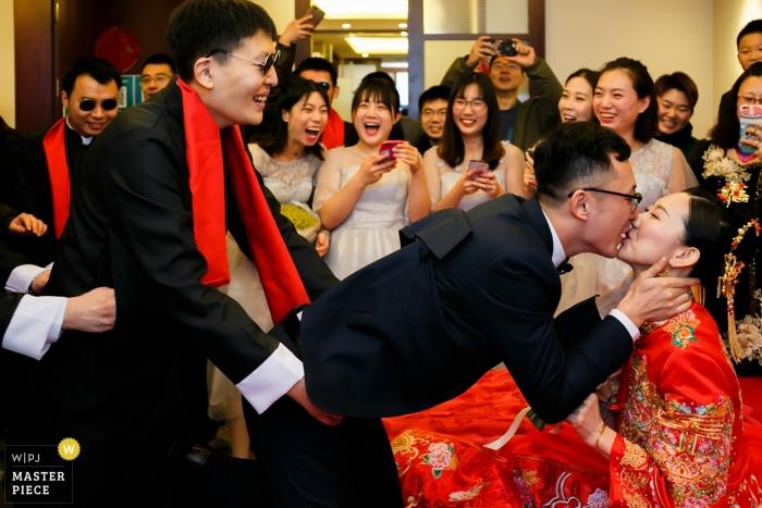 gate crashing wedding photography in Shandong, China