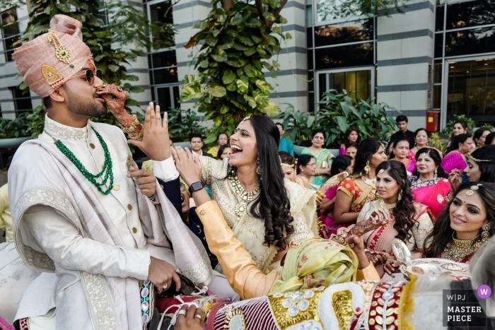 Mumbai, India recepción de boda para los novios - función de boda india
