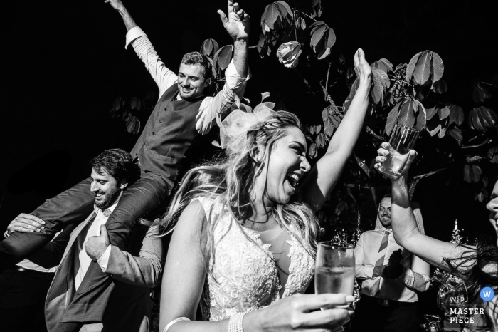 Fazenda das Cabral - fun at wedding reception, filled with dancing laughter and drinks