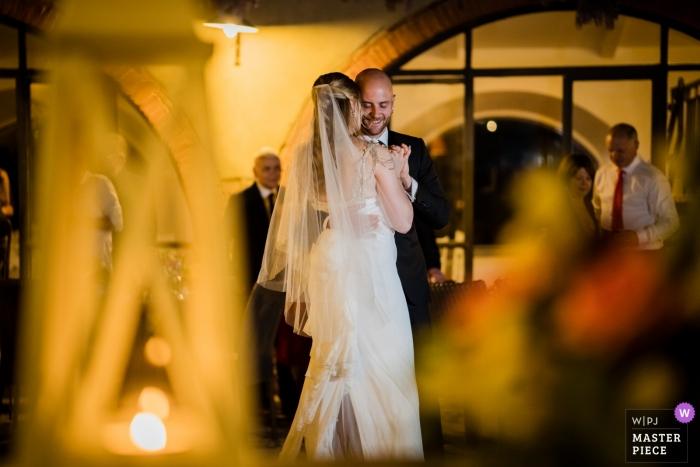 Abbadia Sicille, Siena, Toscane huwelijksreceptie foto van de eerste dans