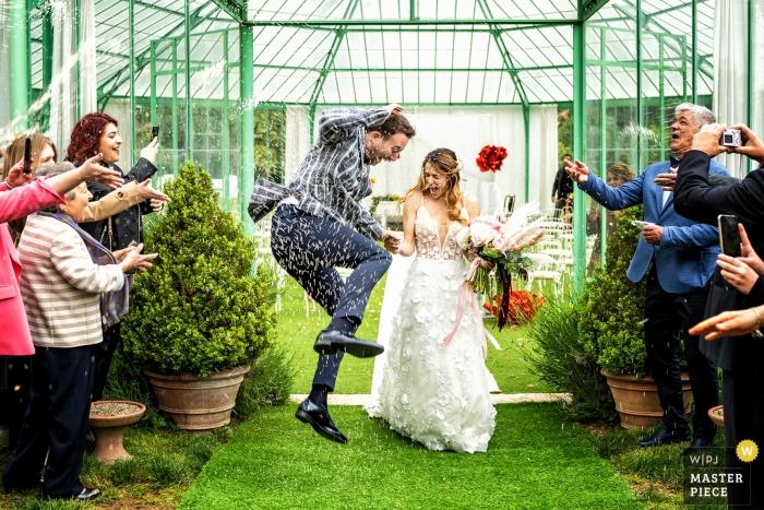 villa di bagno - mantov wedding photo of ceremony and rice tossing