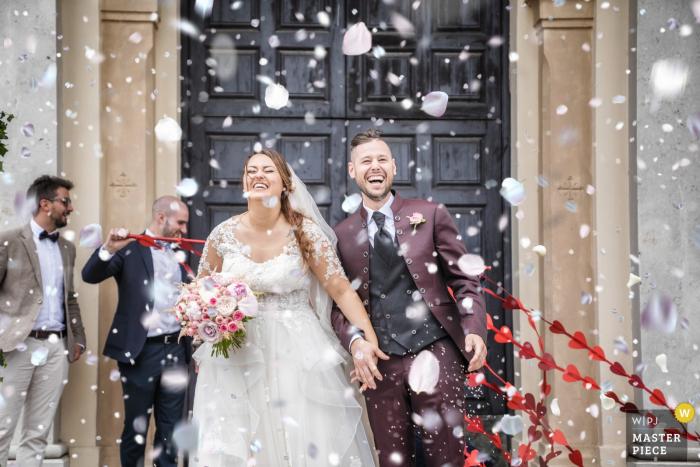 Wedding Photography at Cornedo Vicentino (Veneto)- San Marco Evangelista - Coriandoli after ceremony