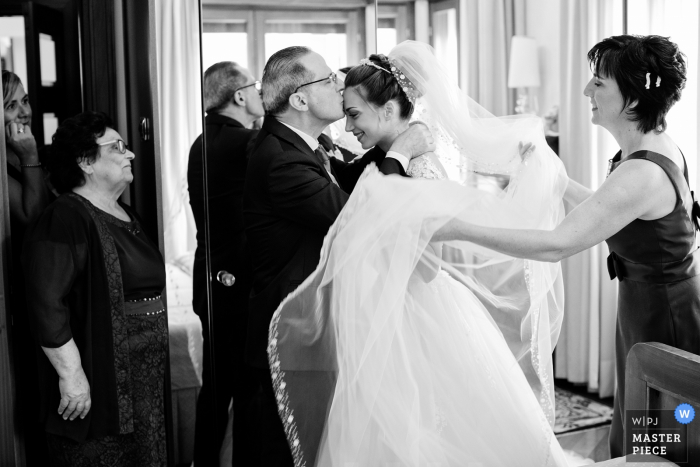 Villa Molin - Padua - Italy | Photograph of getting ready True Emotions