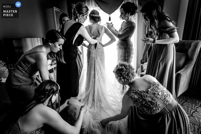 Foto gemacht während der Vorbereitung der Braut vor Zeremonie in Timisoara, Rumänien