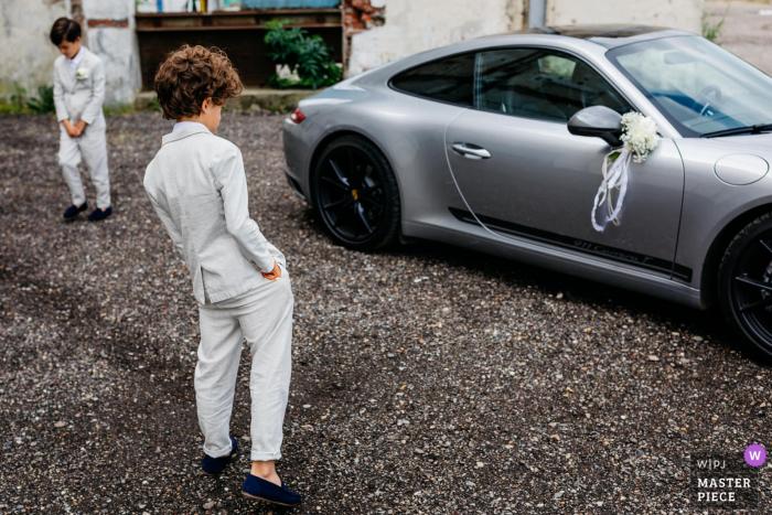 Paviljoen van de Dame - boys & cars at the wedding