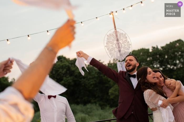 Castelvecchio-Weinkellerei-Hochzeitsempfang-Fotografie am lustigen Abendessen