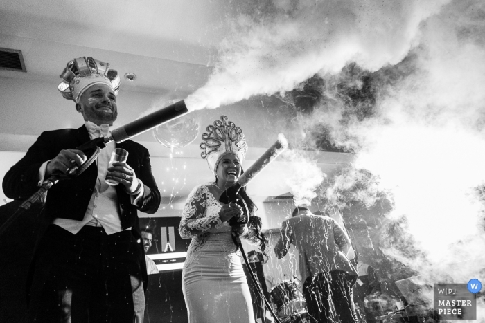 Caracas Wedding Photos: Let's get some smoke in here!