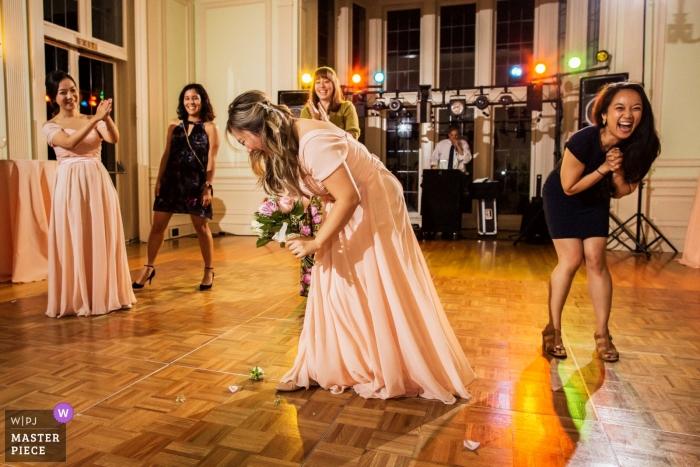 Veranstaltungsort der Rezeption in San Francisco Hochzeitsfotografie des Straußwurfs