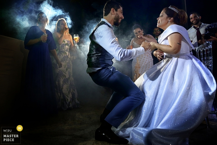 Aldeia das Flores wedding photography images from the dance floor action of the bride and groom.