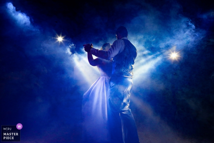 Aldeia das Flores - photography at the wedding reception of dancing under blue lights