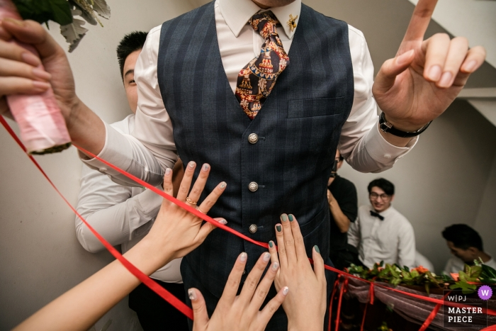 Zhejiang Home Photography on Wedding Day of Bridesmaids who prevent the groom from advancing