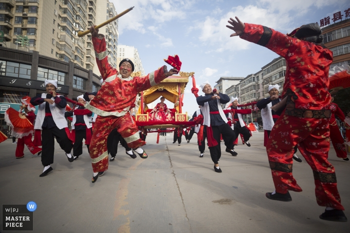 Shaanxi Street Photography from the Wedding - go home