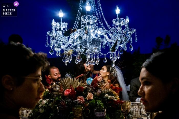 Fotografía de la recepción nupcial en Bodrum, Macakizi Villas | Novia y maquillaje en la cena de boda