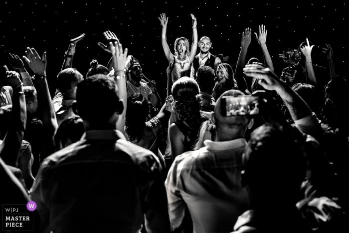 Arad, Rumänien Hochzeitsreportage - Foto aufgenommen während der Party, auf der Tanzfläche