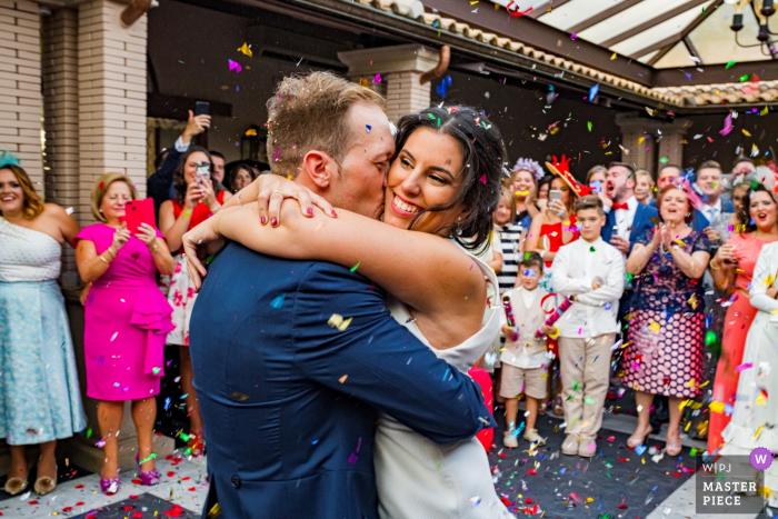 Cerro Puerta, Jaén wedding photography with confetti
