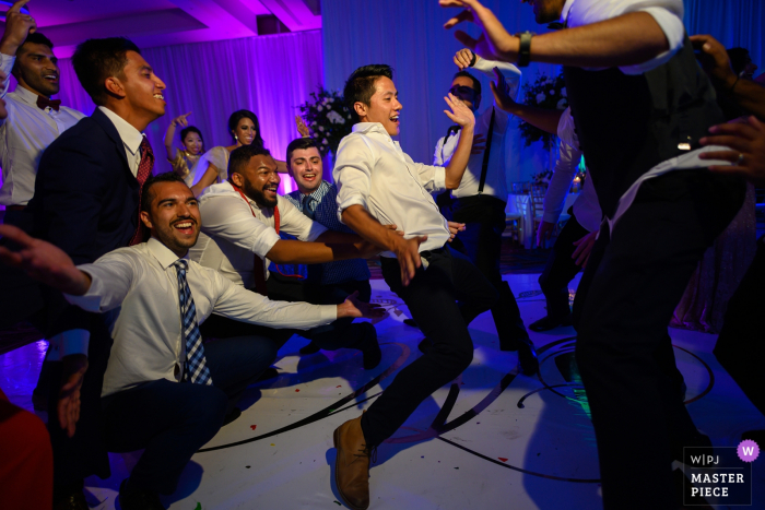 cancun, mexico wedding photographer — Madness on the dance floor