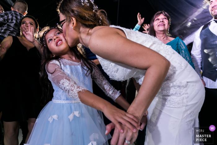 Venezuela reception venue wedding photographer — Give me a Kiss