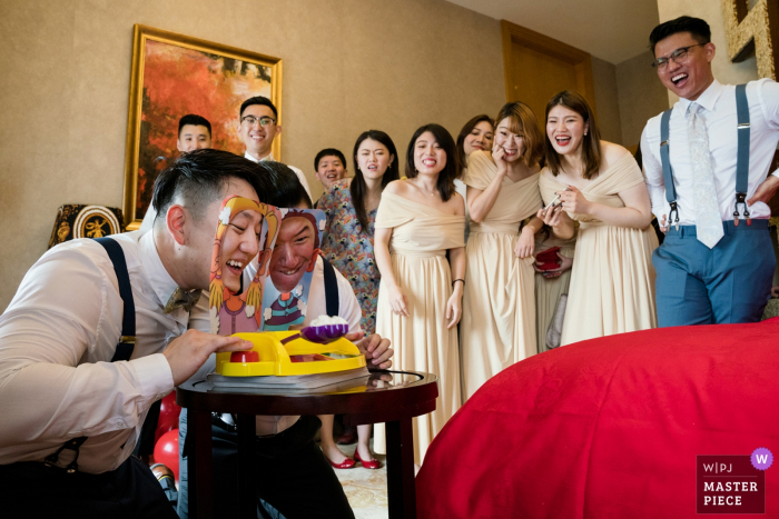 Beijing Gehua Hotel Wedding Pictures - The games of the men on wedding day