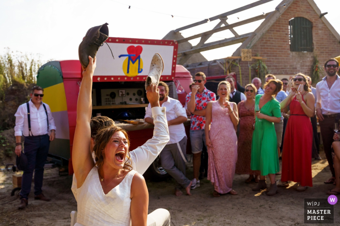 Voorthuizen - Netherlands wedding photographer - Pictures of the shoe game